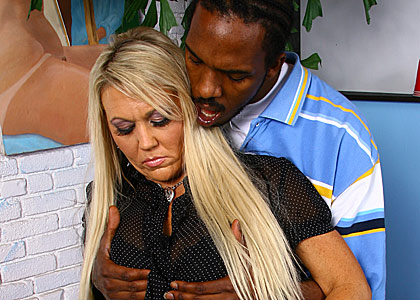 hot mature cougar Chennin Blanc gets banged by a black dude from Blacks on Cougars