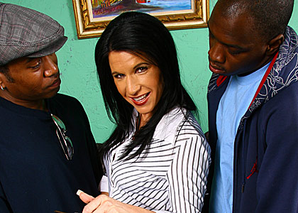 Kendra Secrets gets gangbanged by blacks on blacks on cougars blog